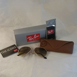 Ray-Ban Aviator Sunglasses - RB3025